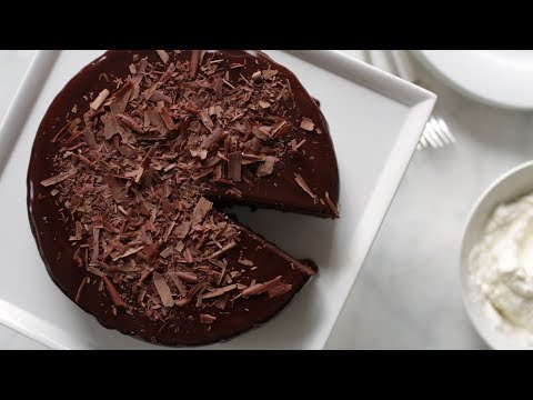 Easy Chocolate Cake- Everyday Food with Sarah Carey