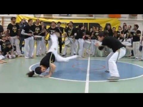 הופעת מדריכים בבטיזדו - Capoeira Instructors in Batizado Ceremony
