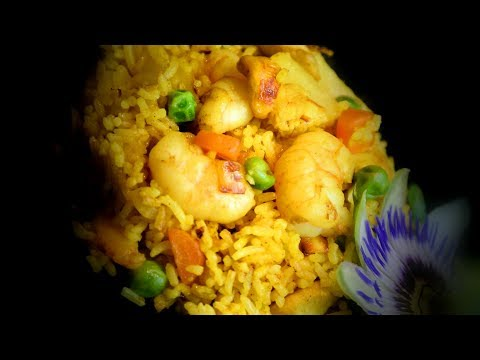 Chicken & Prawn Fried Rice (Chinese Style Cooking Recipe)