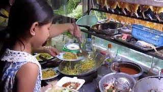 Street foods in Phnom Penh city at Kilometre Number 6, Russey Keo district