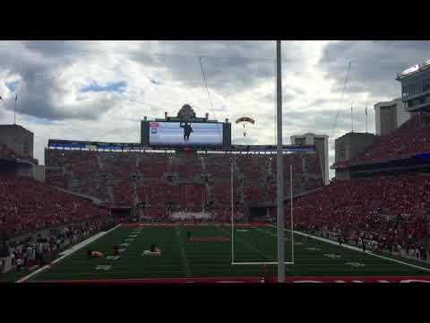 U.S. Army Golden Knights land in Ohio Stadium