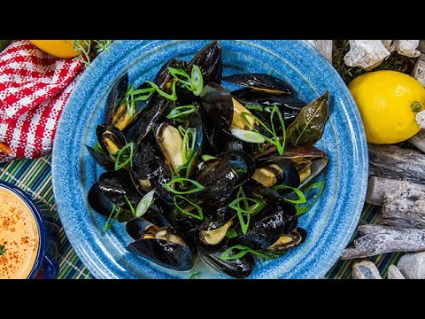 Anne Burrell's Garlic Steamed Mussels - Home & Family