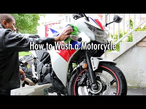How to Wash & Clean a Dirty Motorcycle
