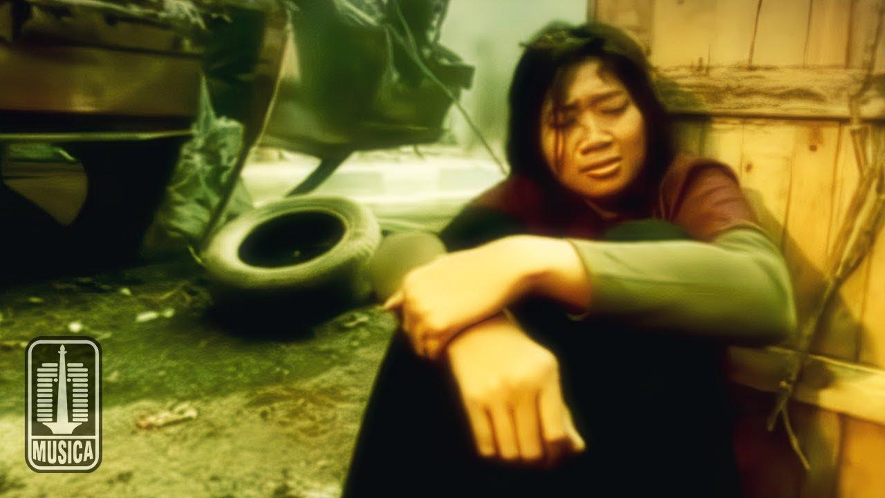 Download Base Jam - Pelukan Terakhir (Official Music Video) MP3 Gratis