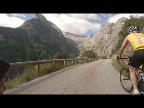 Hyper Alpes,  Cycling the French Alpes