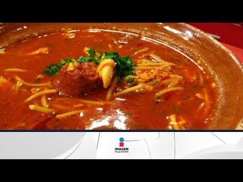 Prepara una sopa de fideos con pollo y chorizo