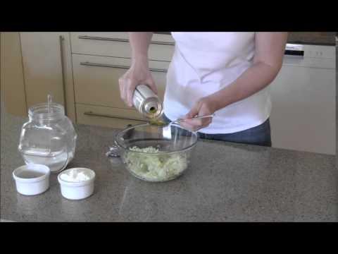 How To Make Tzatziki Sauce With Greek Yogurt - Make It Simple!