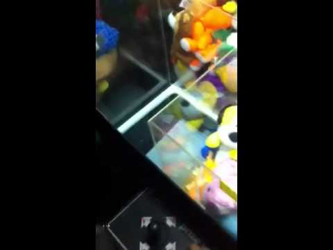 how to get free toys from a claw machine