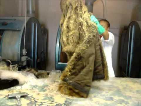 Cleaning fur coats