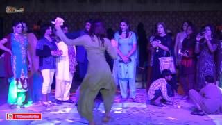 SONO PUNJABI MUJRA DANCE @ PRIVATE WEDDING PARTY 2016