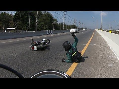 Trying to help Yamaha SR400 Motorcycle Crash