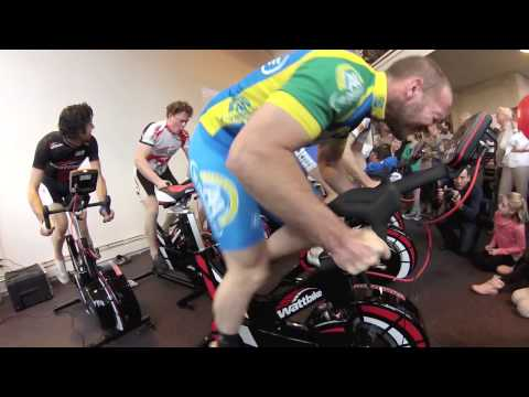 Teun Mulder cycling with 1600+ Watt on Wattbike