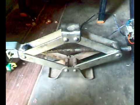 mechanical mini project automatic scissor JACK