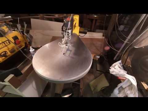 Cleaning rust off a cast iron DeWalt scroll saw using Rust Free