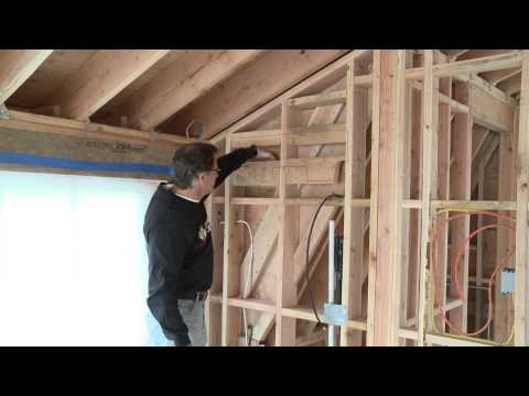 Spray Foam Insulation vs. Fiberglass