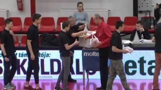 Az országos bajnok gimnazista csapat köszöntése Körmenden