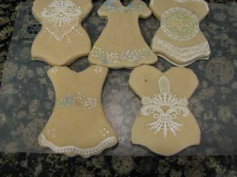 Marzipan Corset, dress cookies with cookie lace