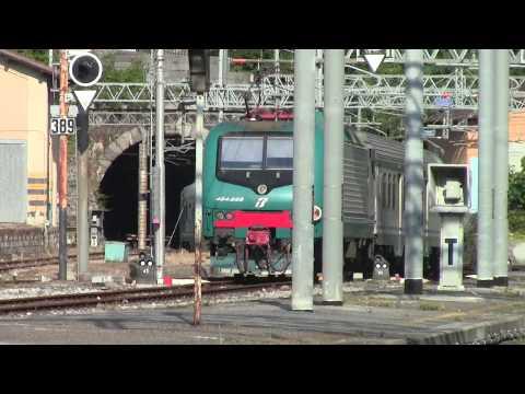 La Spezia Centrale HD-Trenitalia E464 no.464659+Regional stock departs for Pisa