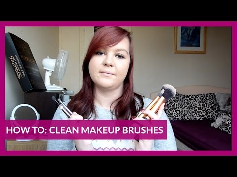 HOW TO: CLEAN MAKEUP BRUSHES | VLOGMAS