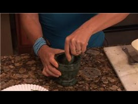 Cooking With Basil : How to Crush Basil