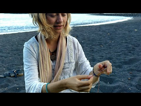 How To Make A Basic Macrame Bracelet (For Your Travels)