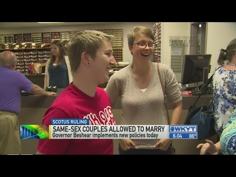 Ky. clerks greet first same-sex couples wanting marriage licenses