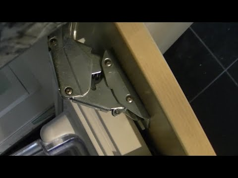 How to replace the hinge of a Neff integrated fridge (No voice over)