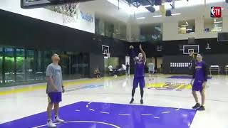 Lakers coach badmouths D