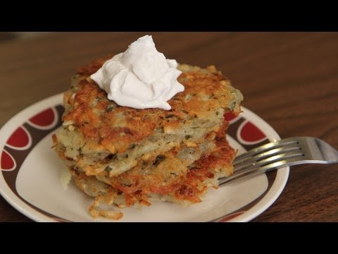 Vegan Potato Latkes Recipe - Vegan Hanukkah Jewish Holiday - לביבות תפוחי אדמה