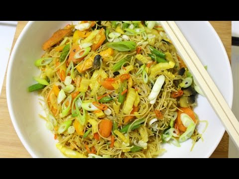 Vegan Singapore Noodles | Quick & Easy Meals