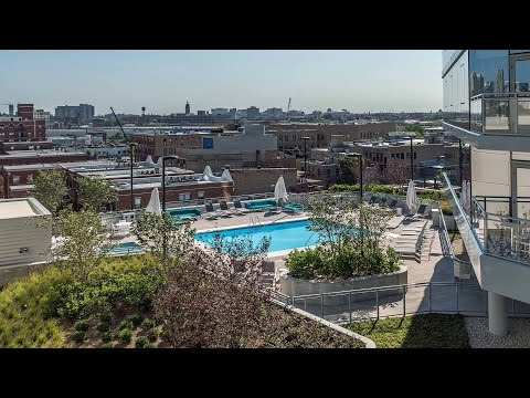 Short-term furnished apartments at NewCity in the Clybourn Corridor