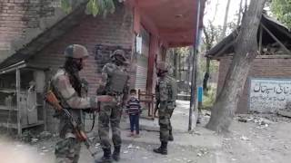 Watch The Decent Working Style of Indian Army at Jammu and Kashmir - Live Video