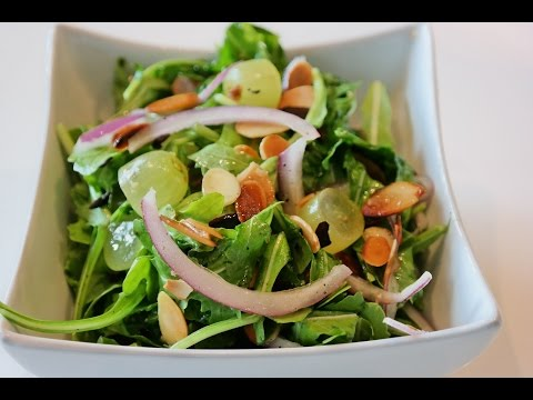 Arugula/Rocket, grape and Toasted Almond salad - A quick side salad for any meal