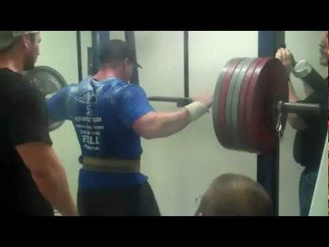 Mike Moore of Midwest Iron Squats 570lbs for Single Rep