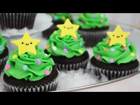 How to Make Christmas Tree Cupcakes!