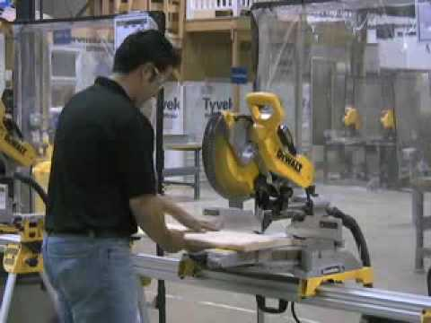 Cutting stair tread with a DEWALT Miter Saw