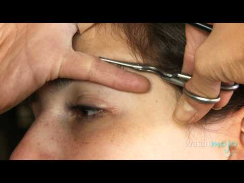 How To Trim Your Eyebrows Without A Tweezer