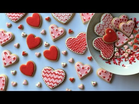How To Decorate Heart Shaped Cookies With Royal Icing