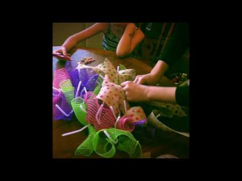 How To Make a Dollar Tree Burlap Wreath, Easy Wreath Tutorial