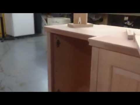 Hanging cabinet doors