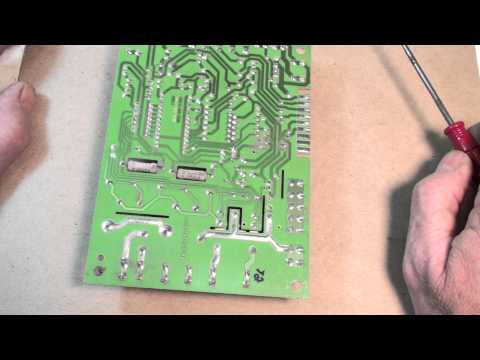 Troubleshoot the circuit board of the gas furnace