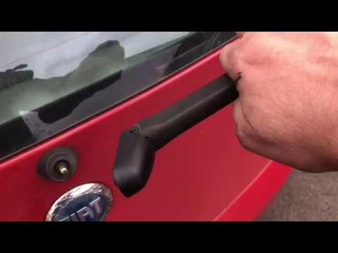 How to replace a rear wiper arm/blade on a Fiat Punto