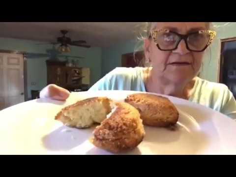 Hot Water Cornbread Recipe And It's Guuuuuud!