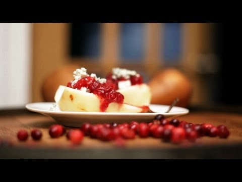 Pear with Cranberry Sauce and Blue Cheese Dessert