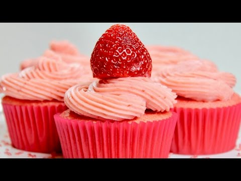 Strawberry Cupcakes and Strawberry Buttercream Recipe