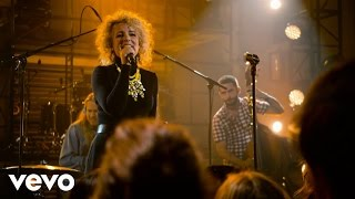 Cam - Runaway Train (Live at The Year In Vevo)