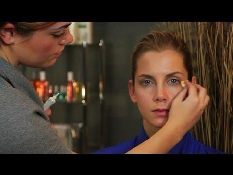 Retinol Makeup Is Causing a Burn on My Face : Makeup Tips