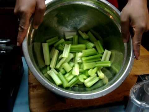 54 food prep veggies before cooking thanksgiving dinner, pre cut Celery using kitchenaid food proces