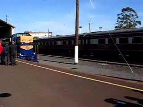 T356 - D³ 658 departing Geelong