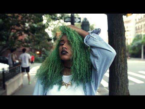 DIY Earthy Green Hair Dye Tutorial by OffbeatLook | ARCTIC FOX HAIR COLOR
